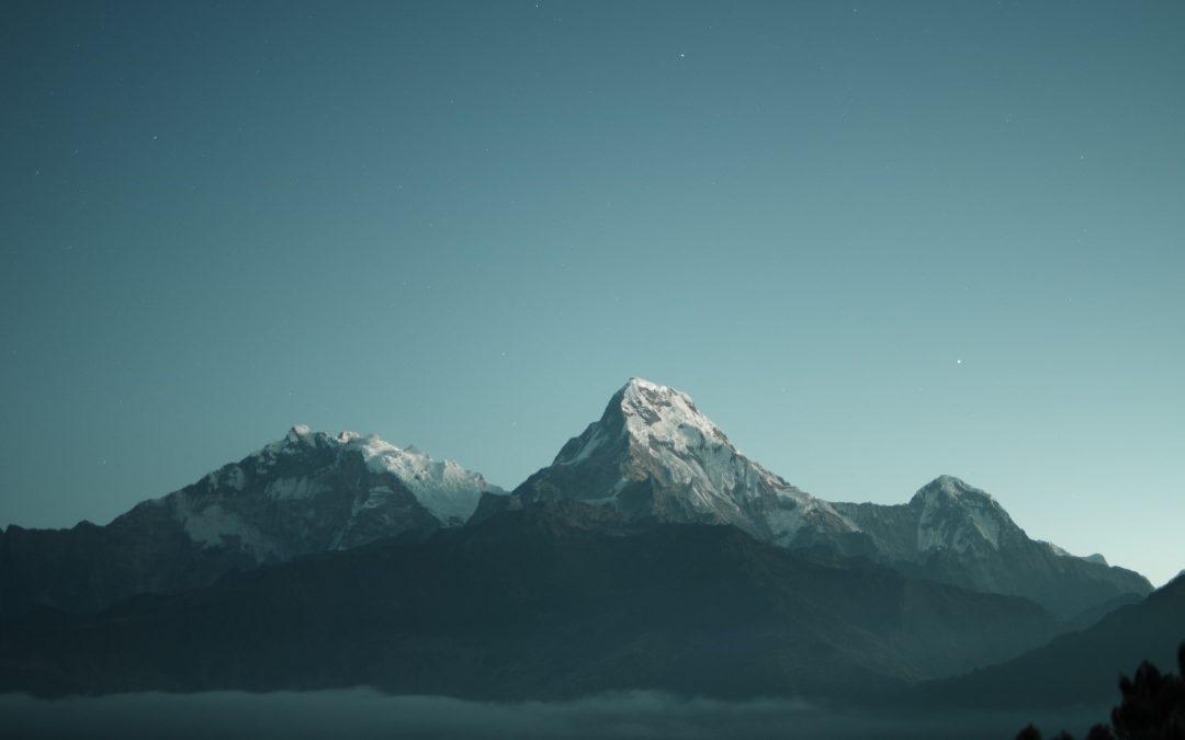 NATURE IS SPEAKING: La Montagna, un luogo non più incontaminato